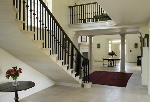 Cantilever stair case