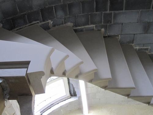 cantilever steps